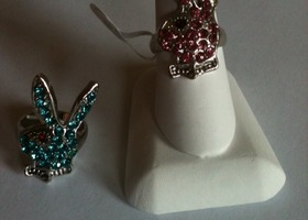 New ladies Playboy bunny style rings ADORABLE