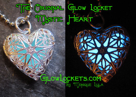 The Original Glow Locket™ Heart Blue Silver