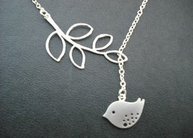 Sweet little mod bird lariat Necklace