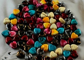 50 heart beads - mixed colors