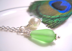 Sea glass Necklace in Peridot Green with White Pearl