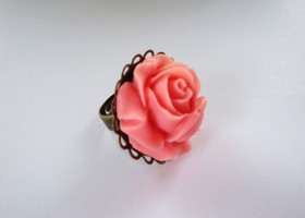 Adjustable Aged Brass Ring. Lady Mary Downton Abbey. Beautiful Resin Flower in Peach Pink. Just as Lady Mary, Elegant, Romantic and Classy.  Flower Measures 1 inch.