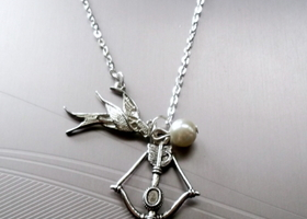Hunger Games Necklace, Katniss Bow, Mocking Jay