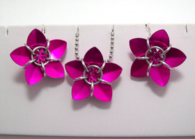 Matching necklace and earrings, pink, scale flower
