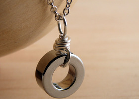 Circle Shiny Chrome Necklace