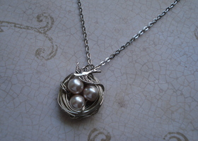 Ivory Pink Bird's Nest Necklace