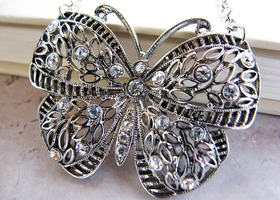 Gorgeous silver butterfly and rhinestone necklace