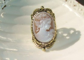 Cameo Ring adjustable