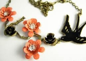 Pretty Rose and Sparrow necklace