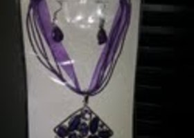 BRAND NEW LADIES NECKLACE & EARRINGS SETS