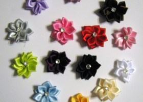 20 Multicolored Satin Ribbon Flowers
