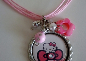 Hello Kitty Bunches of Bows Necklace