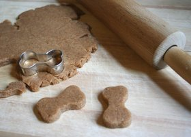 Peanut Butter Doggie Bones Recipe