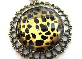Beautiful Round Leopard Print Pendant/Necklace
