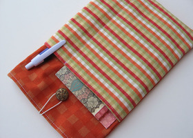 Kindle~Nook Cushioned Case with Outside Pockets