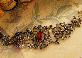 Vintage Retro Hollow-out Dark Red Flower Bracelet