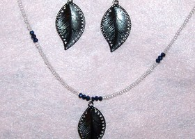 Set of Blue and Clear Crystal Necklace and Earings With Leaf Accents