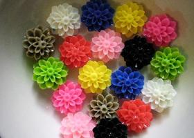 18 Pc Matched Mixed Color Resin Flower Flatback Cabochons 17mm