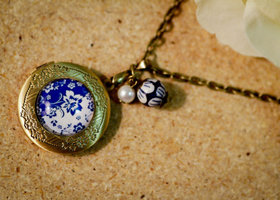 Chinese Art Locket,Blue China Pendant Necklace