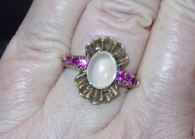 True Vintage 10K Gold Moonstone & Fuschia Pink Gemstone Ring