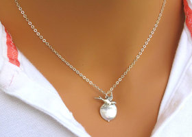 Beautiful Sparrow & Coin Pearl Lariat Necklace