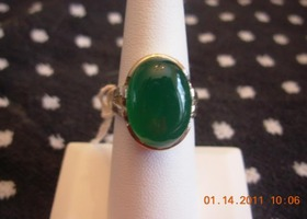 Very green chalcedony sterling silver ring sz 8
