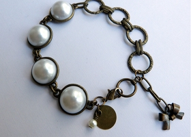 Bronze and Pearl Linked Bracelet