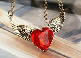 """Heart with Wings"" Cute Retro Vintage Pendant Necklace"
