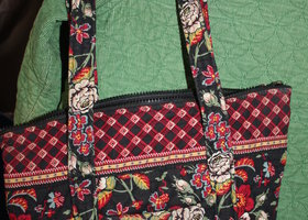 Vera Bradley Anastasia Full Size Paddy Bag Retired