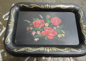 4 Vintage Small Tin Trays