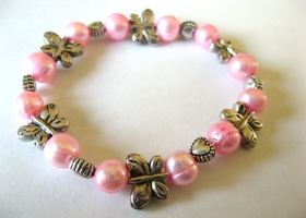 Girls pink stretch bracelet fresh water pearl beaded