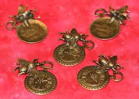 5 Antiqued Bronze Bee Clock Pendants