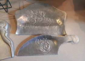 Hammered Aluminum Duster/Crumber Set