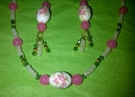 Beautiful hand-painted porceline flower beaded necklace and gold plated dangle earrings