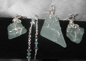 Gorgeous Genuine Sea Glass necklace & earring set