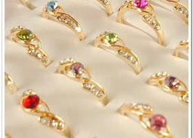 25 Pieces Gold Tone Rhinestone Crystal Rings