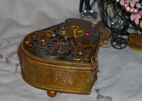 """The Gem"" a Work of Heart Trinket Box"