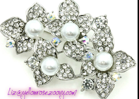 Pearl and Austrian Crystal Flower Pin Brooch