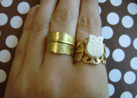 White owl adjustable ring and owl stud set