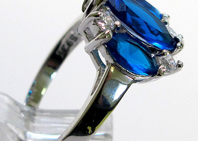 Fantastic Three Stone Sapphire 925 Sterling Silver Ring