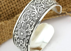 Gorgeous Embossed Tibet Silver wide Cuff