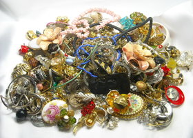 Over 3 Pounds Mixed Jewelry Lot Destash Repurpose Junk Altered Art