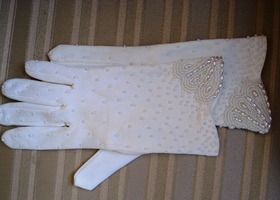 Vintage Beaded Cream Colored Gloves