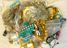 Over 4 Pounds Mixed Jewelry Lot Destash Repurpose Junk Altered Art Steampunk