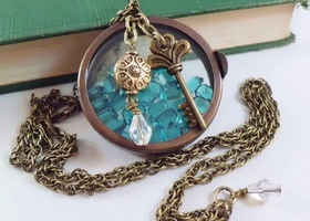 Bronze vintage floral heart key and locket necklace