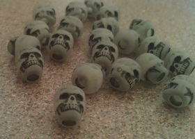 50 Glow In The Dark Skull Beads
