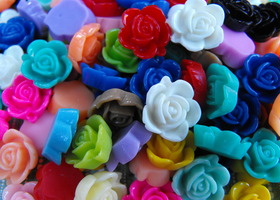 50 Pieces Resin Flower Cabochons in 25 Matched Pairs