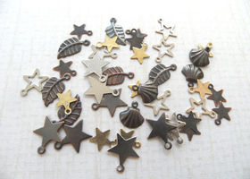 FREE INT SHIPPING -100 wonderful mini charms