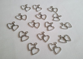 15 Intertwined Heart Charms
