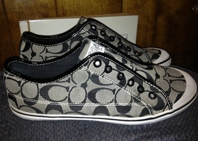 Coach Kira No Lace Sneakers Sz 9